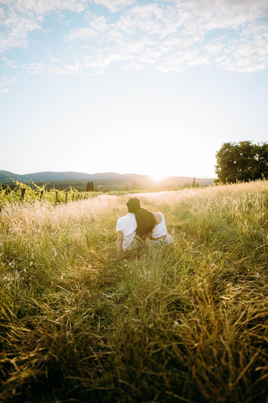 tuscany photographer couple engagement photoshoot tuscany