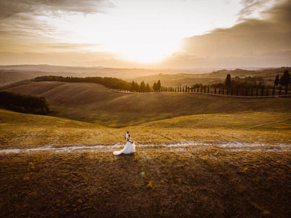 tuscany wedding photographer married couple photoshoot wedding ceremony in tuscany
